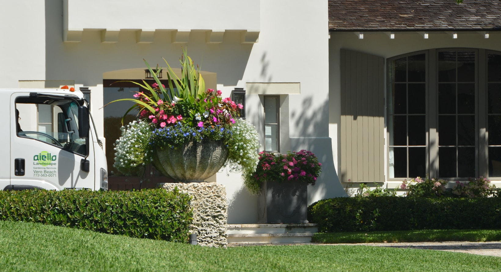 aiello-landscape_vero-beach-containerscaping